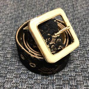 EUC Guess Black & Gold Lace Belt - Size Medium
